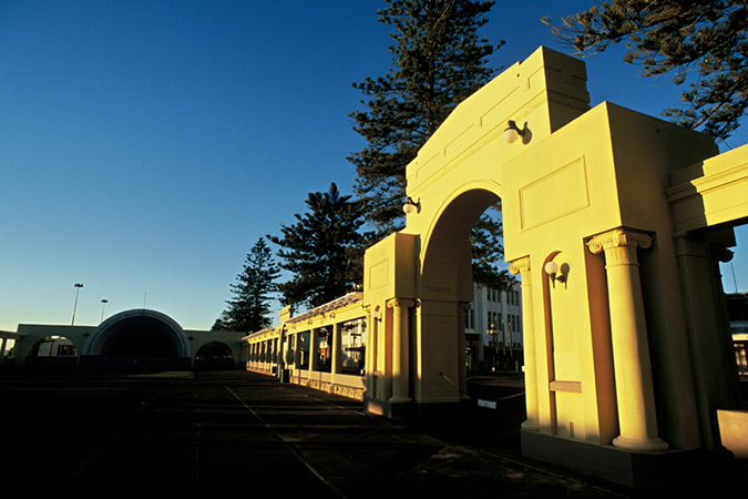Visit sunny Napier, popular for its art deco buildings and award-winning vineyards.