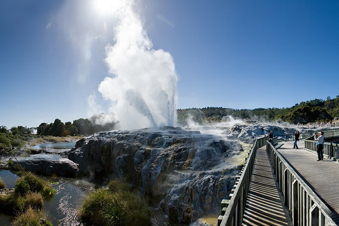 In Rotorua, experience geothermal activity on a massive scale with thermal valleys, geysers and boiling mud pools, and get a taste of Maori culture and adventure.