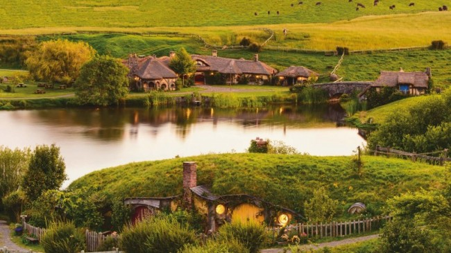 Experience the incredible movie set at Hobbiton and the amazing Waitomo Glowworm Caves on this one-day adventure.