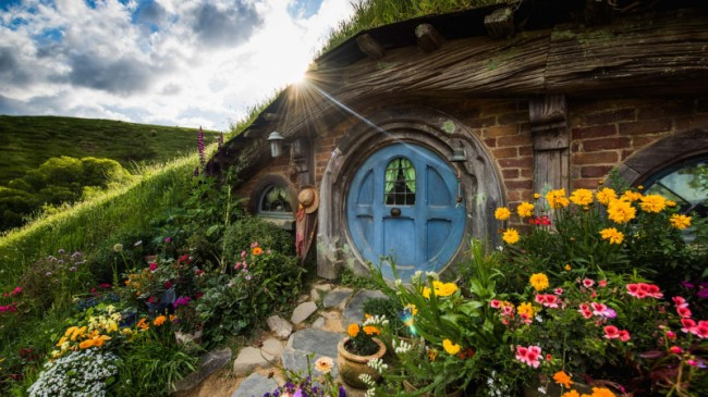 See the Hobbiton Movie Set and the amazing Waitomo Caves on a great value day tour from Auckland!Travel south over the Bombay Hills into the rich farmland of the Waikato region. Take a guided tour of the Hobbiton Movie Set and learn about how the ...